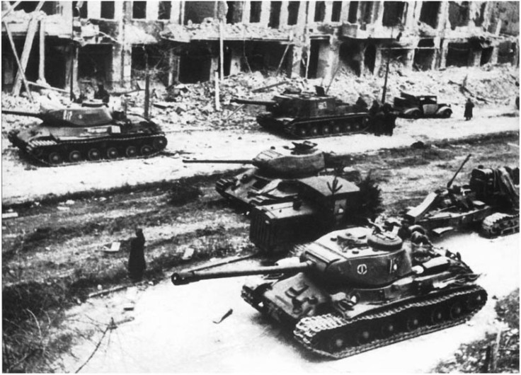 soviet-armor-in-berlin-1945
